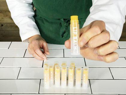 Så här gör du dina egna läppbalsam med Organic Makers DIY KIT Lip Balms / Cerat!