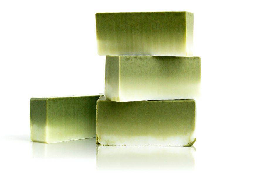 Ombre tvål Melt & Pour med grön lera och kamomill