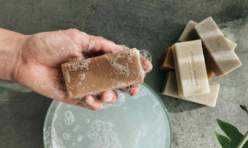 Gör egen kallrörd tvål - organicmakers.se